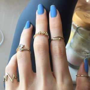 5 Gold Color Rings